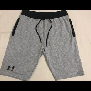 UNDER ARMOUR SZ L NEW W/TAGS MENS HEATGEAR SHORTS